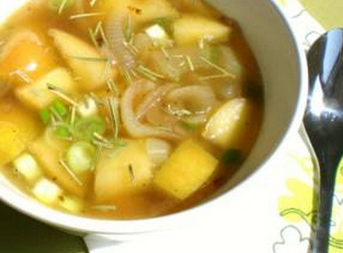 PCOS friendly Apple and Onion Soup, Apple and Onion Soup, Apple and Onion Soup pcos, pcos recipes weight loss, pcos diet recipes, pcos friendly recipes, pcos breakfast recipes, pcos dinner recipes, pcos dessert recipes, pcos juicing recipes, pcos chicken recipes, pcos smoothie recipes, recipes for pcos sufferers, good recipes with pcos, healthy recipes for pcos, recipes for polycystic ovarian syndrome, pcos diet plan recipes