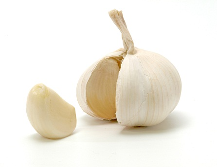 garlic for pcos, garlic benefits for pcos, garlic good for pcos, foods for pcos, foods to eat with pcos, best foods for pcos, best foods to eat if you have pcos, Food Cures for Polycystic Ovarian Syndrome, Foods That Fight PCOS, Foods which may cure polycystic ovary syndrome